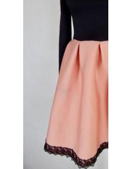Сукня зі спущеними плечима