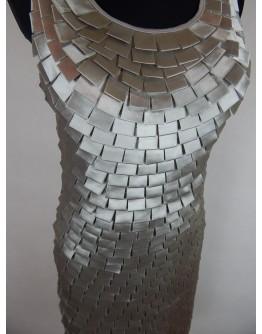 Срібляста сукня