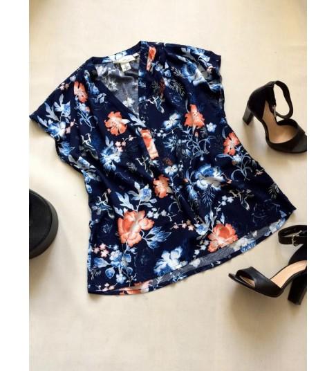 Шикарнейшая блузка h&m темно-синего цвета с трендовым принтом цветы и журавли